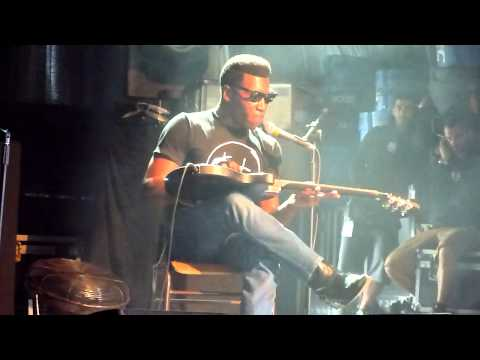 Willis Earl Beal - Evening's Kiss (Festival Paredes de Coura, 15 Agosto 2012)