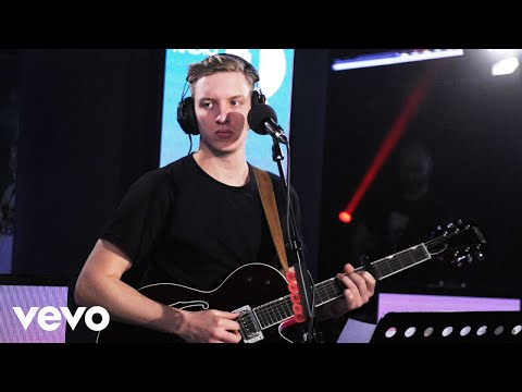 George Ezra - Paradise in the Live Lounge