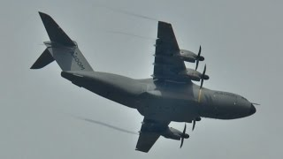 Airbus A400M ATLAS being flown like a fighter – Farnborough 2014