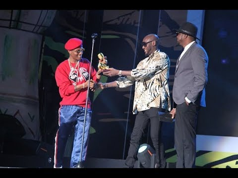 Wizkid Nigeria win AFRIMA 2017 Song of the Year and Artiste of the Year