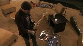 U2's The Edge soundchecks his guitar rig (It Might Get Loud)