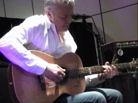 Tommy Emmanuel , playing Billy Joel -