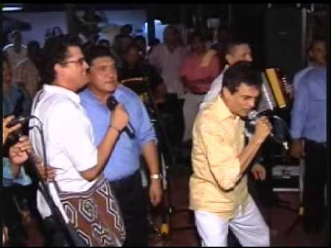 CARLOS VIVES, GUSTAVO GUTIERREZ Y PONCHO ZULETA – CONFIDENCIA