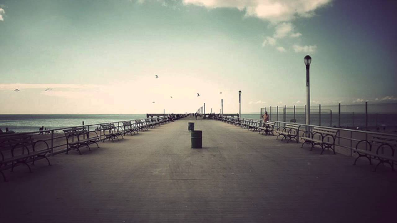 Looks - Dream for a requiem pier photo video