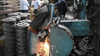 Super Skilled People - Grinding Machine Fast Worker