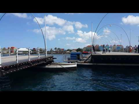 Queen Emma Bridge Moving / Koningin Emmabrug - Curaçao