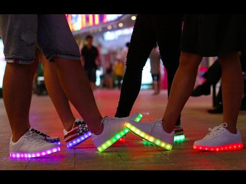 Модные кроссовки 2017. Самые хайповые LED кроссовки. Best LED Shoes 2017