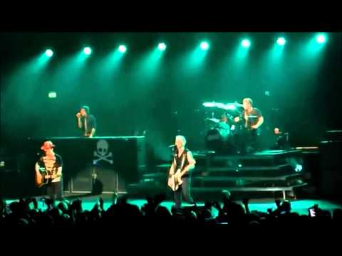 Green Day - Pulling Teeth (Live @ Brixton Academy) (Multi-Cam) [HD]