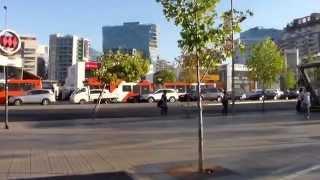 Сантьяго, Чили. Santiago, Chile - Улица Апокиндо, район Лас Кондес.(Улица Апокиндо, район Лас Кондес. Сантьяго, Чили. Март 2015 Я приглашаю вас также просмотреть следующие видео,..., 2015-03-04T01:08:33.000Z)