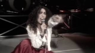Смотреть клип Loredana Bertè - Coccodrilli Bianchi