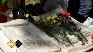 Jorge Martinez visita la tumba de Rafael Orozco en su 21 aniversario
