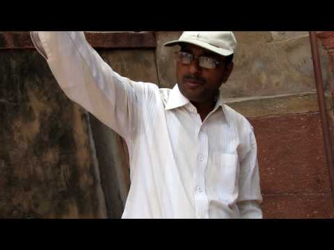 India Travel Vol. 1: Tour guide Hari explains the defenses of the Agra Fort
