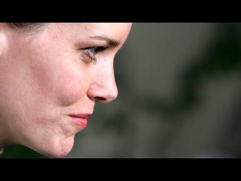 Ione Skye on Talk  with Harper Simon