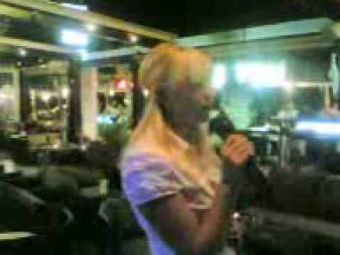 Alia karaoke
