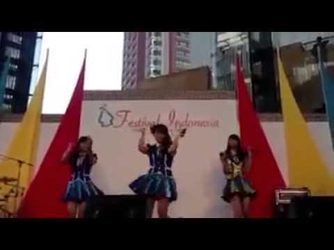 Fancam Nabilah, Ve, Sendy JKT48 Goyang Cesar At Roppongi Hills Japan