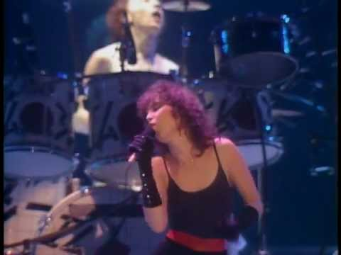 PAT BENATAR - We Live For Love - live - best performance - HQ.mpg