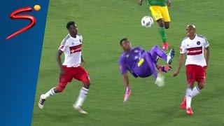 بالفيديو.. حارس مرمي جنوب أفريقي يسجل هدفا رائعا في الدقيقة 95