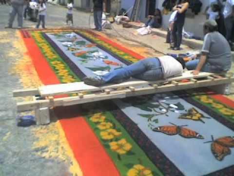 Semana santa en antigua guatemala 2009 alfombras de for Alfombras de juegos para ninos