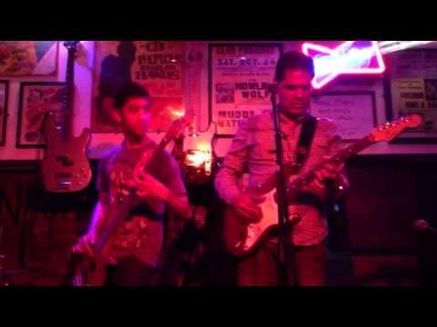 Smokestack Lightning: Waqar (vocals/guitar) Amaris (bass) Dan (drums)
