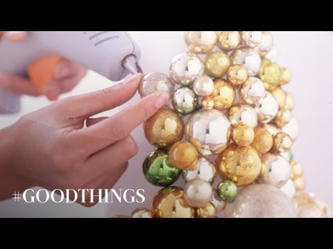 Good-Things-Holiday-Centerpieces-for-the-Holiday-Table-at-Christmastime-Martha-Stewart