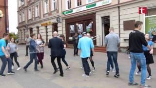 Tańczyli Belgijkę na ulicach Szczecinka