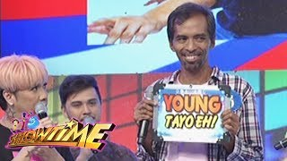 Video It's Showtime: One contestant of Young Tayo Eh shares his lovelife download MP3, 3GP, MP4, WEBM, AVI, FLV Juni 2017