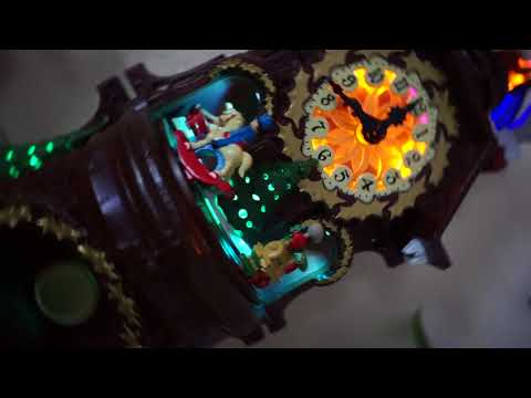 2017 Hallmark Santa's Musical Christmas Clock