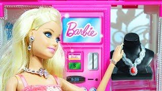 Куклы Барби Игрушечный шкаф -  автомат для одежды Барби  Видео для девочек на русском  Barbie Doll