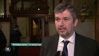 Már a tavaszi ülésszak első napján kitiltották Hadházyt a parlament ülésterméből 20-02-17