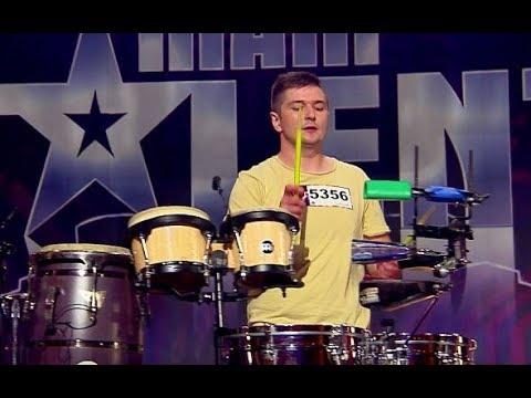"""Agustin Egurrola do uczestnika : """"Jak ja chciałbym tak umieć pukać"""" [Mam Talent!]"""