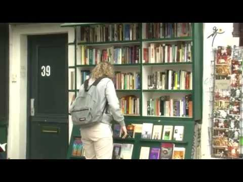 Shakespeare And Company : Library / Bookshop in Paris