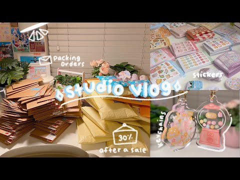 Studio Vlog // Running My Small Business, Packing Orders 📮📦 Stickers, Keychains, And Clay Pins