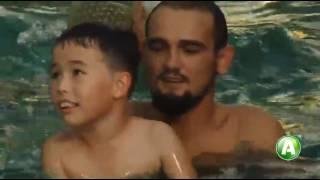 Занятия в бассейне для детей с аутизмом -