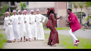 Sabuwar Waka (Kogin Zuma) New Style Video 2019 by Garzali Miko....