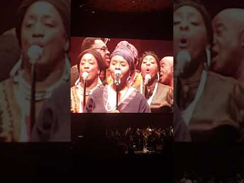 Donald Lawrence and the Tri City singers Encourage yourself