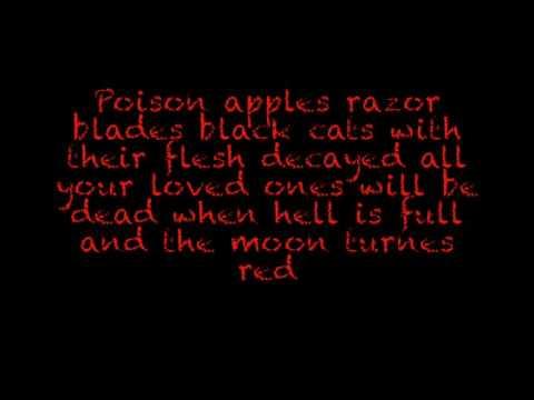 Halloween knife game Lyrics