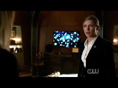 Sara and Ava – Legends of Tomorrow Season 3 Episode 12