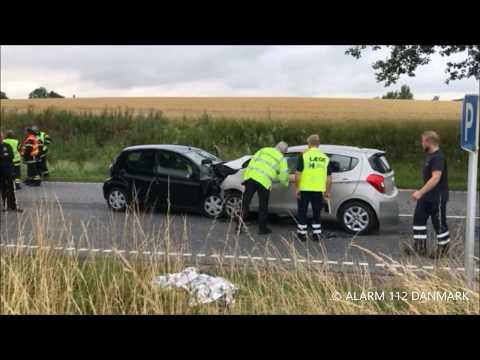 24.07.2017 Bil mod bil   kvinde fløjet til sygehuset, Slangerup