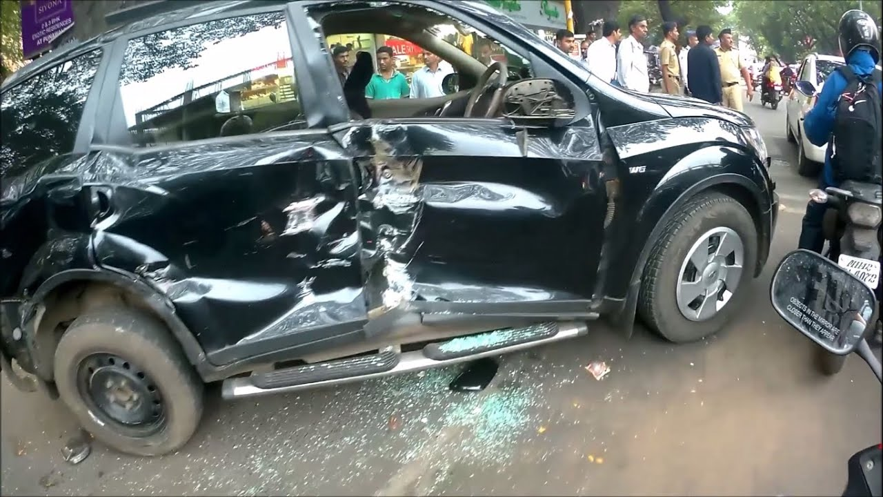 Xuv 500 Horrible Accident Youtube