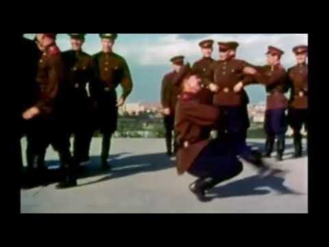 Cosaco soldado ruso bailando (Kasatschok Loy Loy Cosak)