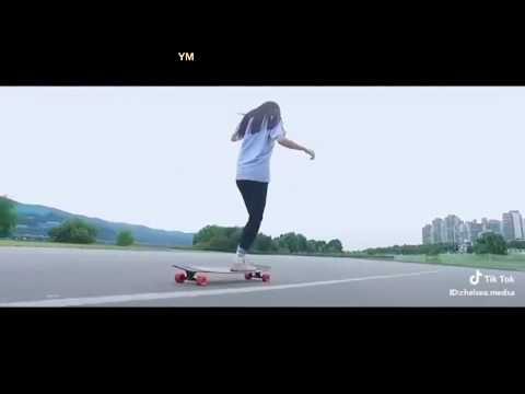 Video Tik Tok ~ Let's play skateboard