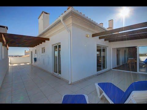 Spacious 3 Bedroom Penthouse Close to the Beach in Quiet Area for sale in Armação de Pêra, Algarve