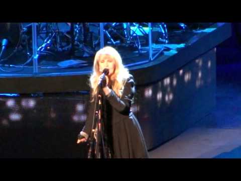 Stevie Nicks Live 2016 =] Outside the Rain :: Dreams [= Toyota Center :: Oct 29 :: Houston, Tx