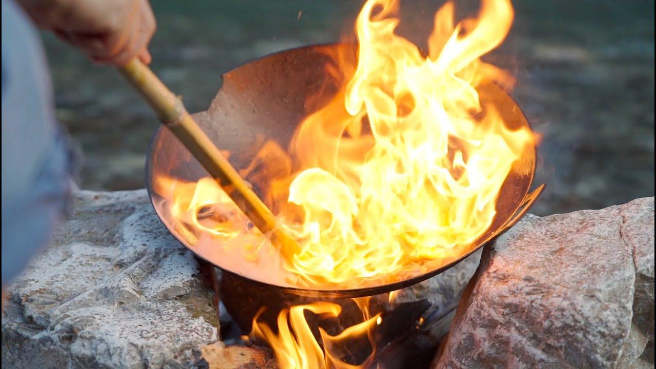 一口破鍋,兩個雞腿,秘製一份香辣燒雞公,那味道真讓人著迷【shyo video】