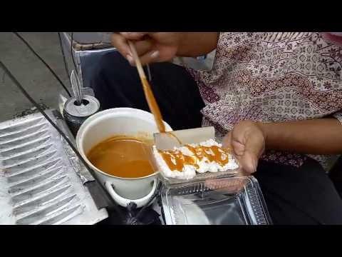 Jakarta Street Food - Indonesia Traditional Culinary - Mix Grated Coconut & Sago Flour - Kue Rangi