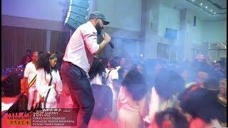 Aberham Gebremedhin- (Live Performance)Mrgbey (ምግበይ) - Ethiopian Music Video