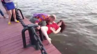 Russian public dance. Hustle. Dangerous Moscow-River