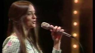 Crystal Gayle - Let Me Be There