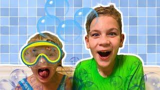 Bath Song   Eva & Alex Pretend Play Nursery Rhymes & Kids Songs I La canción del baño