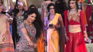 DHOLA VE DHOLA - MEHAK MALIK @ WEDDING PARTY